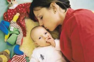 madre soltera con recien nacido